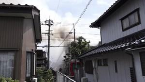 高岡市で住宅火災